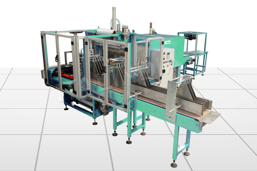Shrink wrapping machine for beverages